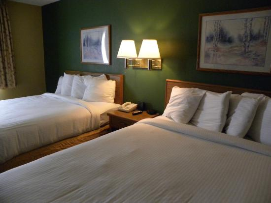 New Victorian Inn & Suites - Kearney: Double queen