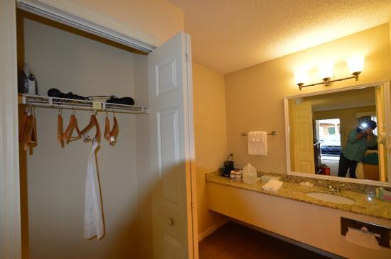 Best Western Plus Santee Inn: room