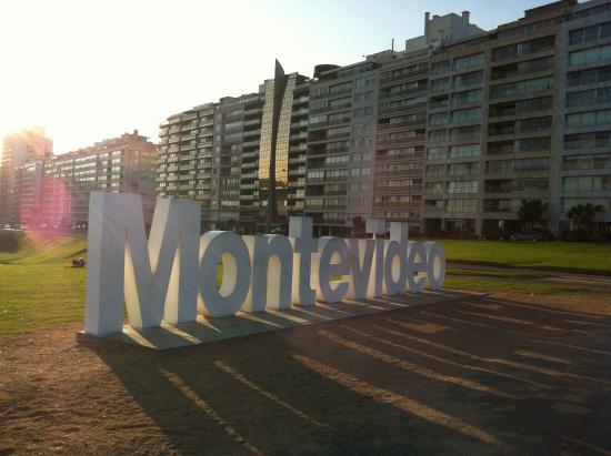 Rambla de Montevideo: Letreiro