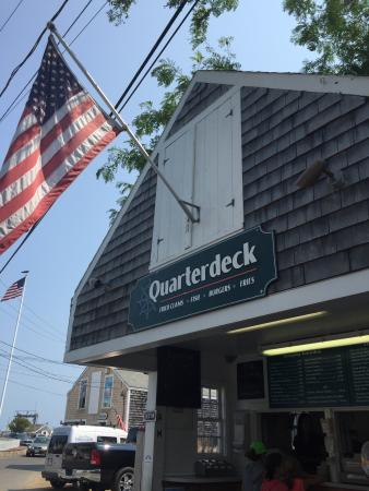 ‪Quarterdeck Restaurant‬