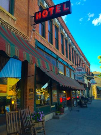 The  Virginian Restaurant: Exterior of hotel