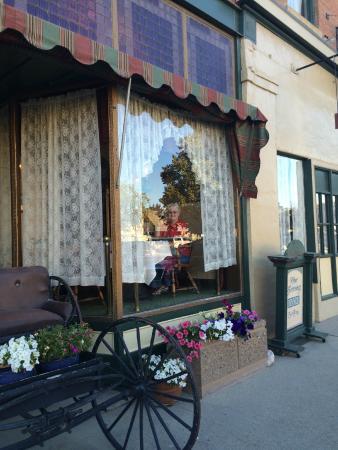 The  Virginian Restaurant: main restaurant window facing street