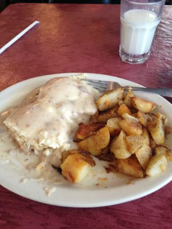 Eden, NY: Four Corners Cafe - Biscuits & Gravy with Eggs