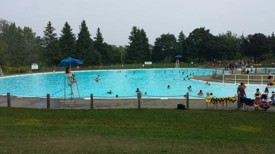 Pickering, Kanada: The main pool (deep end is 6 ft. deep)
