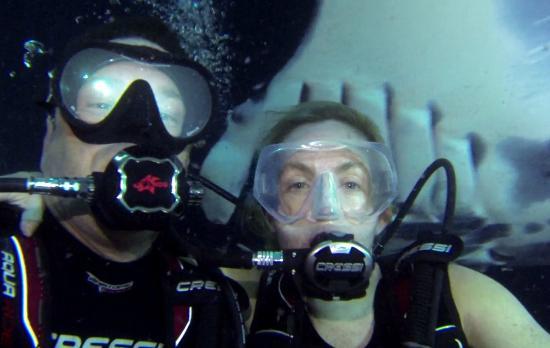 Kona Ocean Adventures: Manta Ray photo bomb!