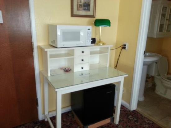 Hotel California: Microwave, fridge, alarm clock