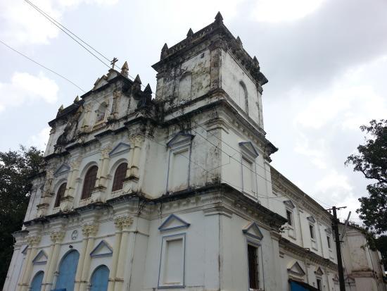 Divar Island: Church on hillock