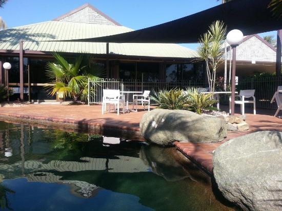 Glenmore Palms Motel: Pool and Spa