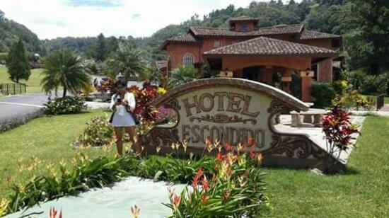 Valle Escondido Resort Golf & Spa
