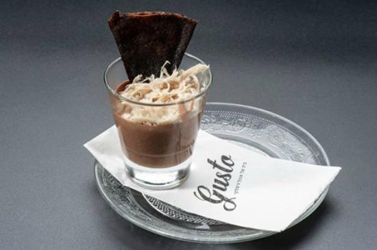 Gusto: milkiato dessert