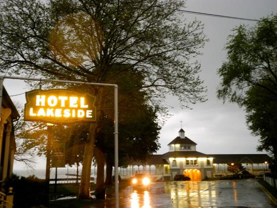 Lakeside, OH: THE HOTEL AFTER AN EVENING STORM