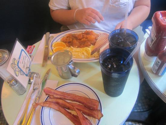 Cafe Habana: Huevos con extra de bacon