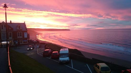 Union Place: Atardecer en Whitby