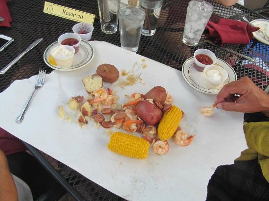 Klondike Restaurant & Bar: lowland boil for two - shrimp, sausage, corn, potatoes