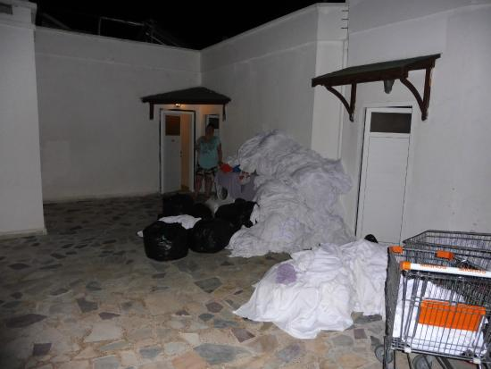 Aydem Beach Hotel: laundry from other hotels outside door everyday