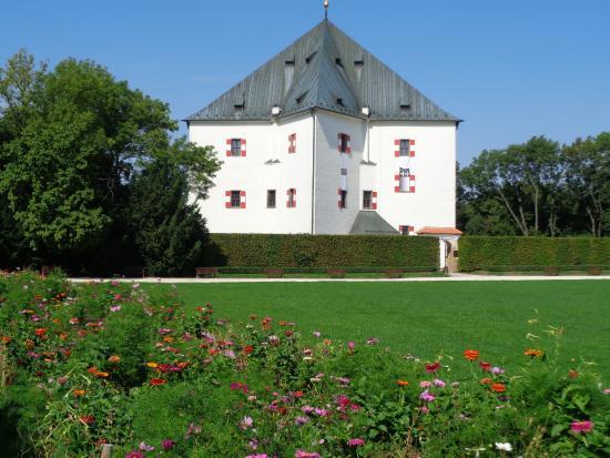 Letohradek Hvezda (Star Villa)