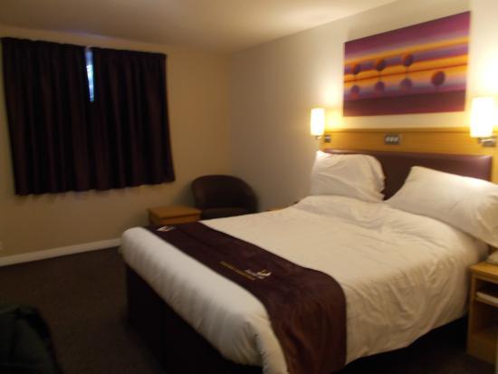Family room at premier inn picture of premier inn london for Premier inn family room