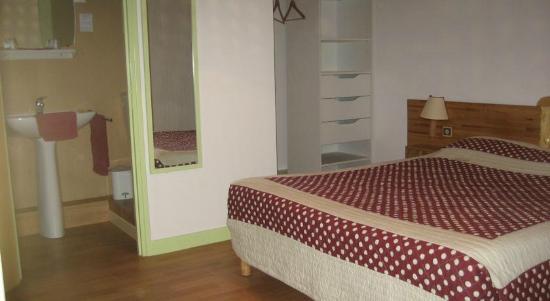 Hotel du Bourg : chambre double