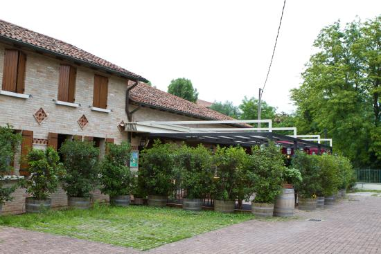 Ristorante Oca Bianca: Il ristorante visto dall'esterno