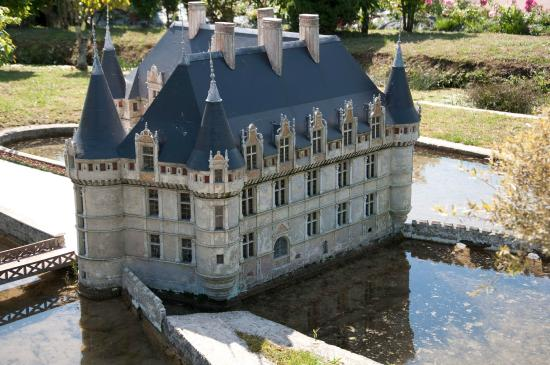 azay le rideau picture of parc des mini chateaux amboise tripadvisor. Black Bedroom Furniture Sets. Home Design Ideas