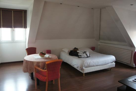 Welcome Hotel: Chambre