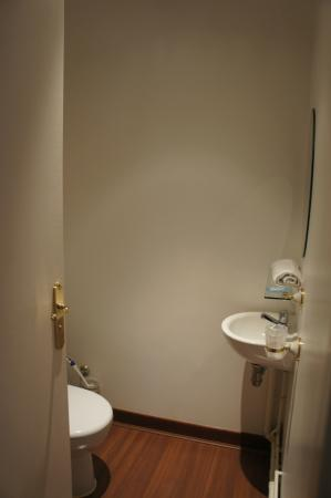 Welcome Hotel : Toilette