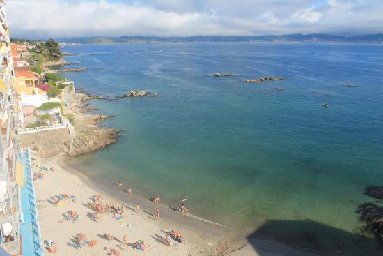 Hotel El Puente: Vistas desde la habitación. Playa
