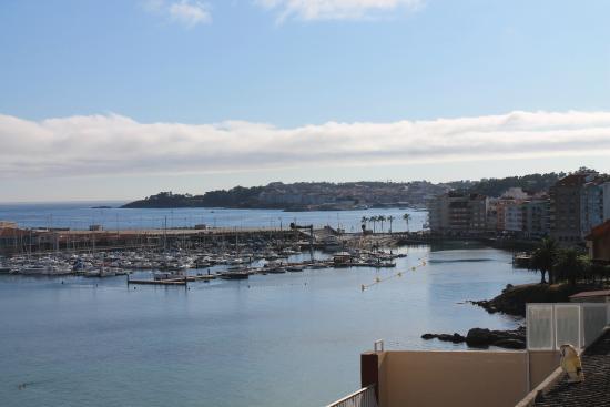 Hotel El Puente: Vistas desde la habitacion. Puerto Sanxenxo y Portonovo
