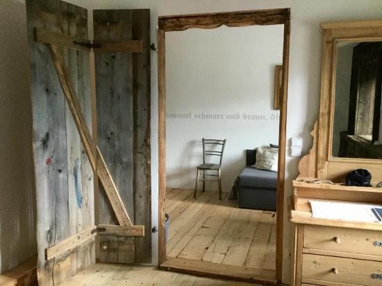 durchgang schlafzimmer zur sitzecke bild von kirchenwirt dorfwirtshaus leogang tripadvisor. Black Bedroom Furniture Sets. Home Design Ideas