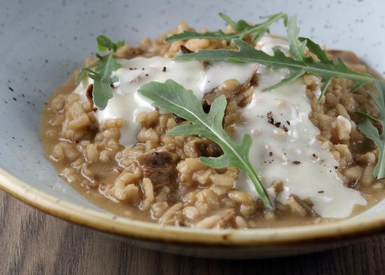 39 39 harissa 39 39 marinated sustainable tiger prawns foto di for Table 9 dubai