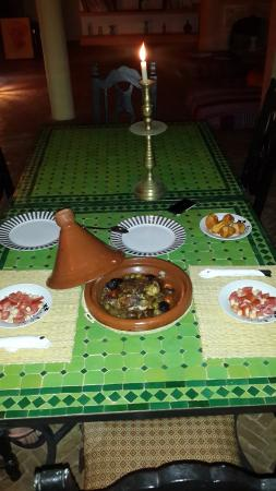 Riad Douar Des Oliviers : Delicious tagine dinner offered by Mr.Nourdine