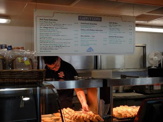 Llanberis, UK: Menu and hot baked pastries