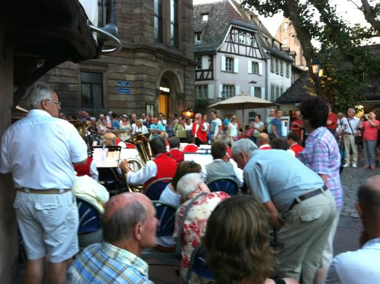 La Petite France: An afternoon street concert