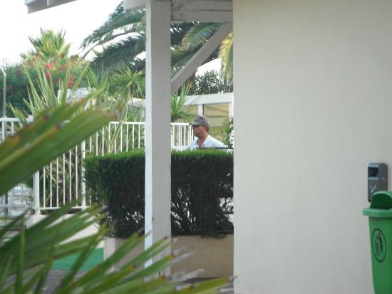Mr Bean Pool Attendant Picture Of Mercure Thalassa Port Frejus - Thalasso port frejus