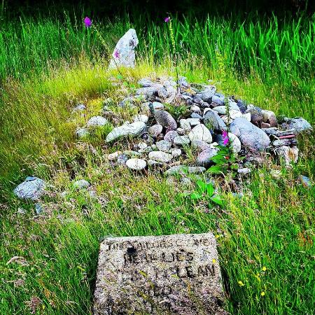 Lochranza, UK: The Sailor's Grave