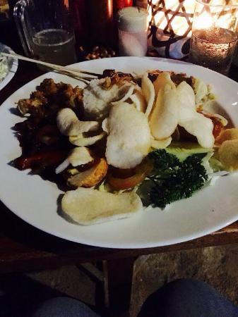 Cemara beach  Bar & Restaurant: photo1.jpg