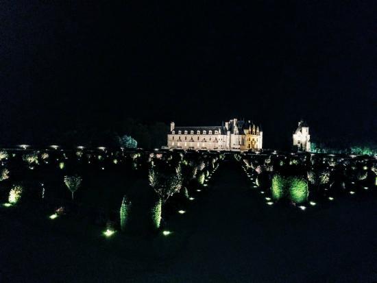 Chateau de Chenonceau: Chenonceaux by night
