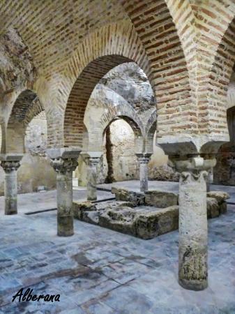 Baños Árabes, Jaén. (Diciembre-2013) - Picture of Centro Cultural Banos Arabe...