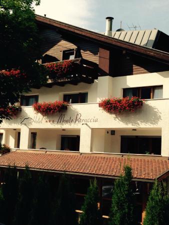 Hotel Monte Paraccia: vista frontale
