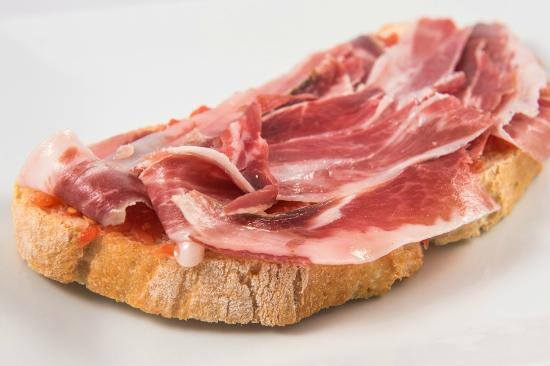 Restaurante El 13 de San Anton: tosta de jamón ibérico de bellota