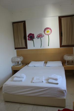 Limani Apartments: Camera da letto