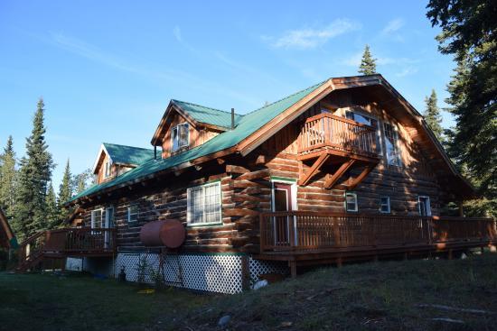 Glennallen's Rustic Resort Bed & Breakfast : Das Gebäude