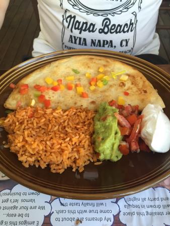 Daltons Mexican: Тыквенный суп и кесадилья