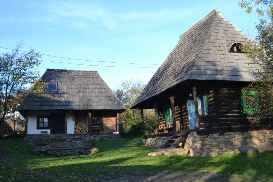 Village hotel maramures picture of village hotel transylvania breb tripadvisor - Houses maramures wood ...