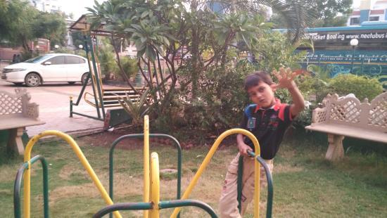 Hotel Sai Moreshwar: Taken only Park Photos