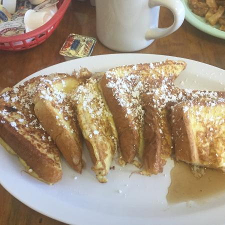TL's family restaurant : Western Omelette & French Toast