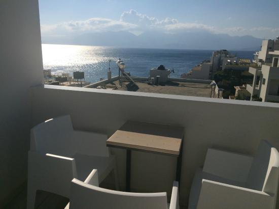 Hotel Ikaros: Vista dall ultimo piano