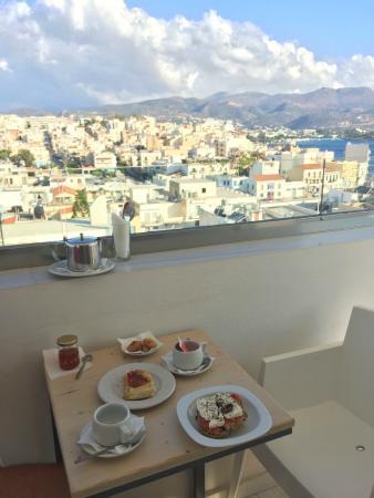Hotel Ikaros: Colazione con vista