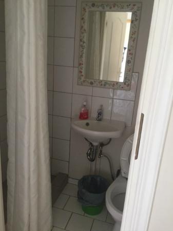 con mini bagno