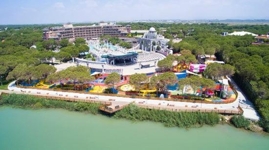 Xanadu Resort Hotel: Air View